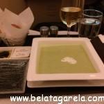 Sopa de hortelã e ervilhas