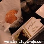 Pão de queijo recheado com cogumelos