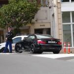 Polícia bem equipada em Mônaco