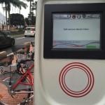 Locação de bicicletas elétricas ficam próximas aos pontos de ônibus