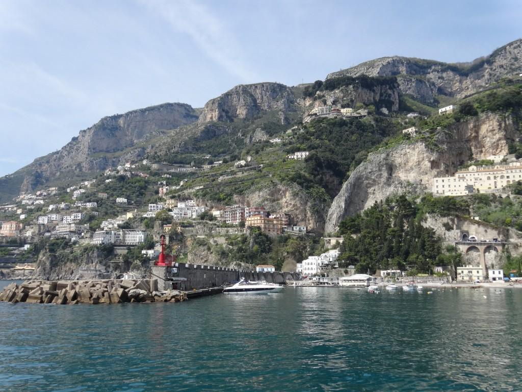 Vista de Amalfi de nossa chegada pelo mar