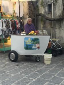Carrinho típico encontrado em toda cidade vendendo Slush