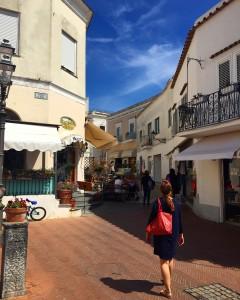 Passeando pelas lojas em Capri