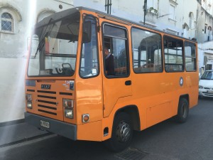 ônibus para chegar a Anacapri